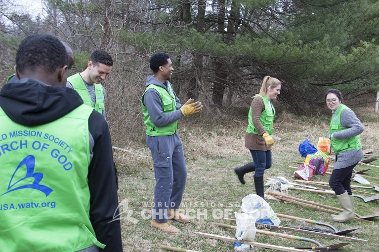 World Mission Society Church of God, Maryland, MD, Loch Raven Skeet and Trap Center, tree restoration, environmental protection, volunteer, volunteerism, forest, Gunpowder Valley Conservancy